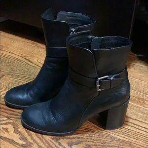 Splendid Black Leather Boots